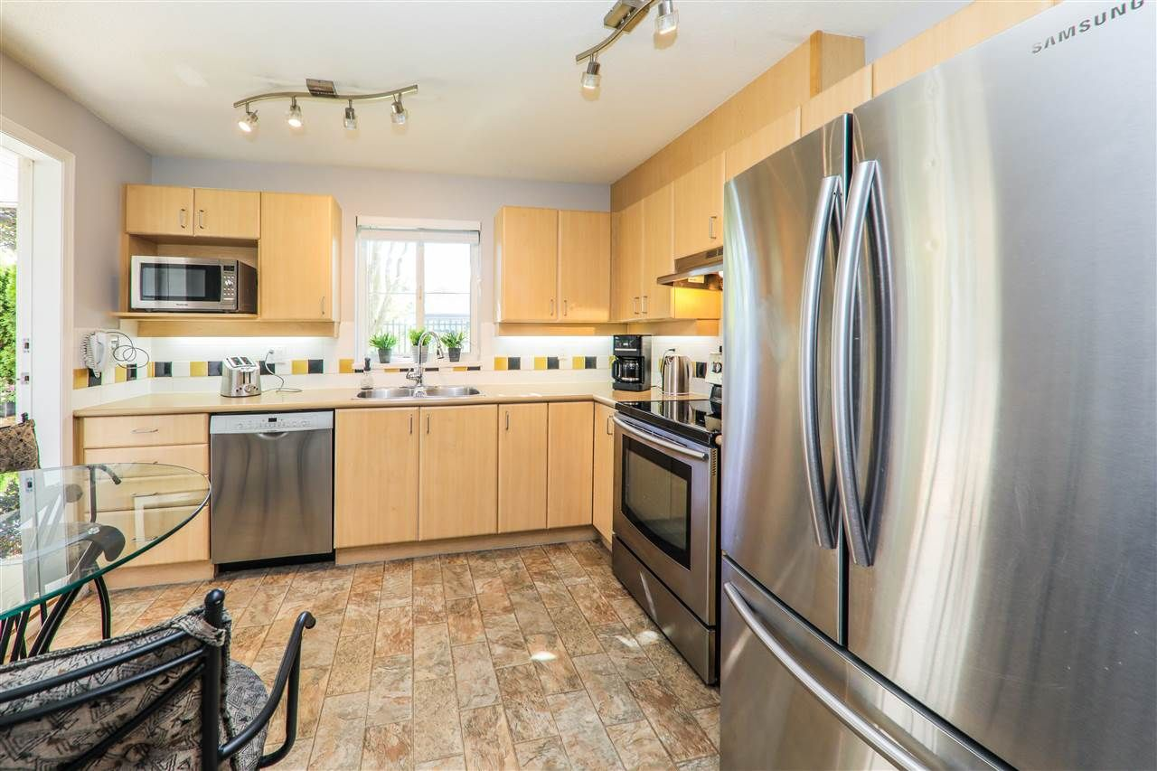 """Photo 2: Photos: 114 6336 197 Street in Langley: Willoughby Heights Condo for sale in """"Rockport"""" : MLS®# R2288453"""