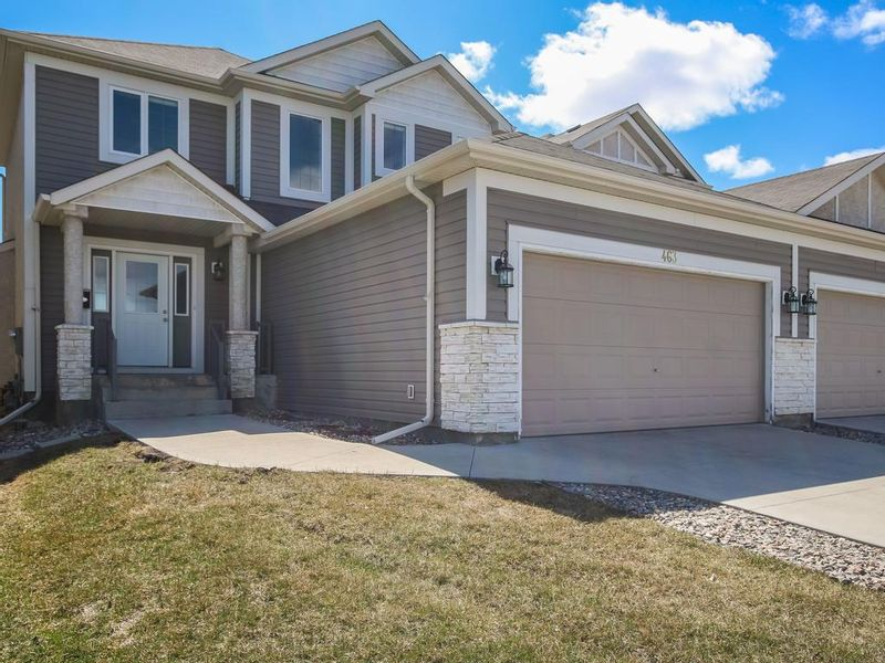 FEATURED LISTING: 463 Kildonan Meadow Drive Winnipeg