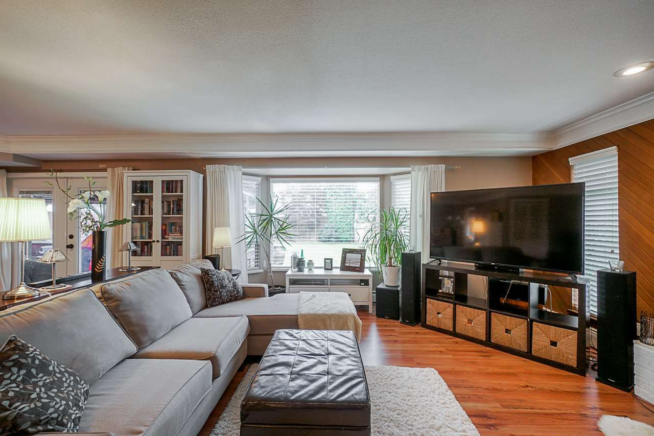 """Photo 9: Photos: 6240 STEVESTON Highway in Richmond: Gilmore House for sale in """"WESTWIND GREENHOUSES"""" : MLS®# R2510505"""