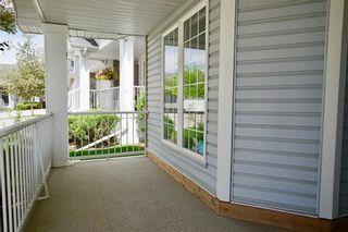Photo 4: 32 DOUGLASVIEW Park SE in Calgary: Douglasdale/Glen House for sale : MLS®# C4190218