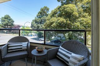"""Photo 6: 206 1988 MAPLE Street in Vancouver: Kitsilano Condo for sale in """"The Maples"""" (Vancouver West)  : MLS®# R2597512"""