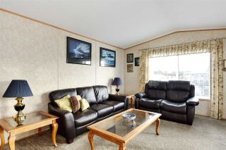 """Photo 8: 38 15875 20 Avenue in Surrey: King George Corridor Manufactured Home for sale in """"Sea Ridge Bays"""" (South Surrey White Rock)  : MLS®# R2375018"""