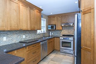 Photo 8: 682 WILMOT Street in Coquitlam: Central Coquitlam House for sale : MLS®# R2062598