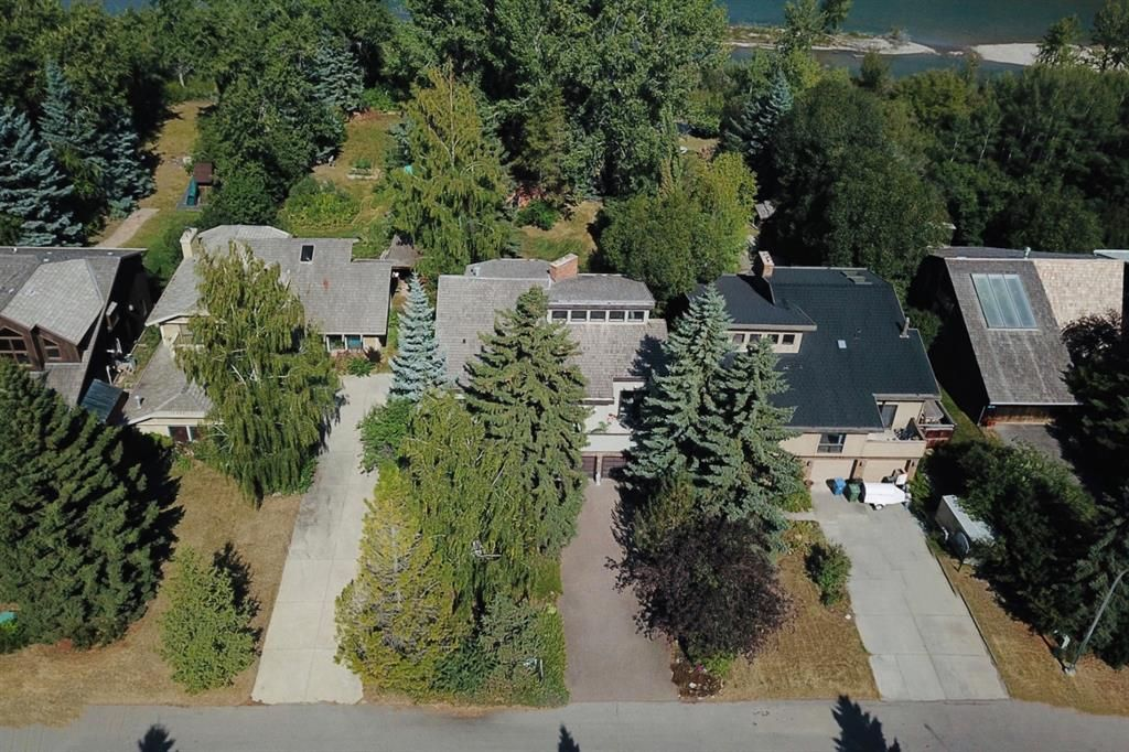 Main Photo: 44 BOW VILLAGE Crescent NW in Calgary: Bowness Detached for sale : MLS®# A1053654