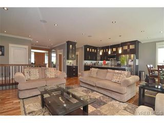 Photo 5: 3747 Ridge Pond Dr in VICTORIA: La Happy Valley House for sale (Langford)  : MLS®# 710243