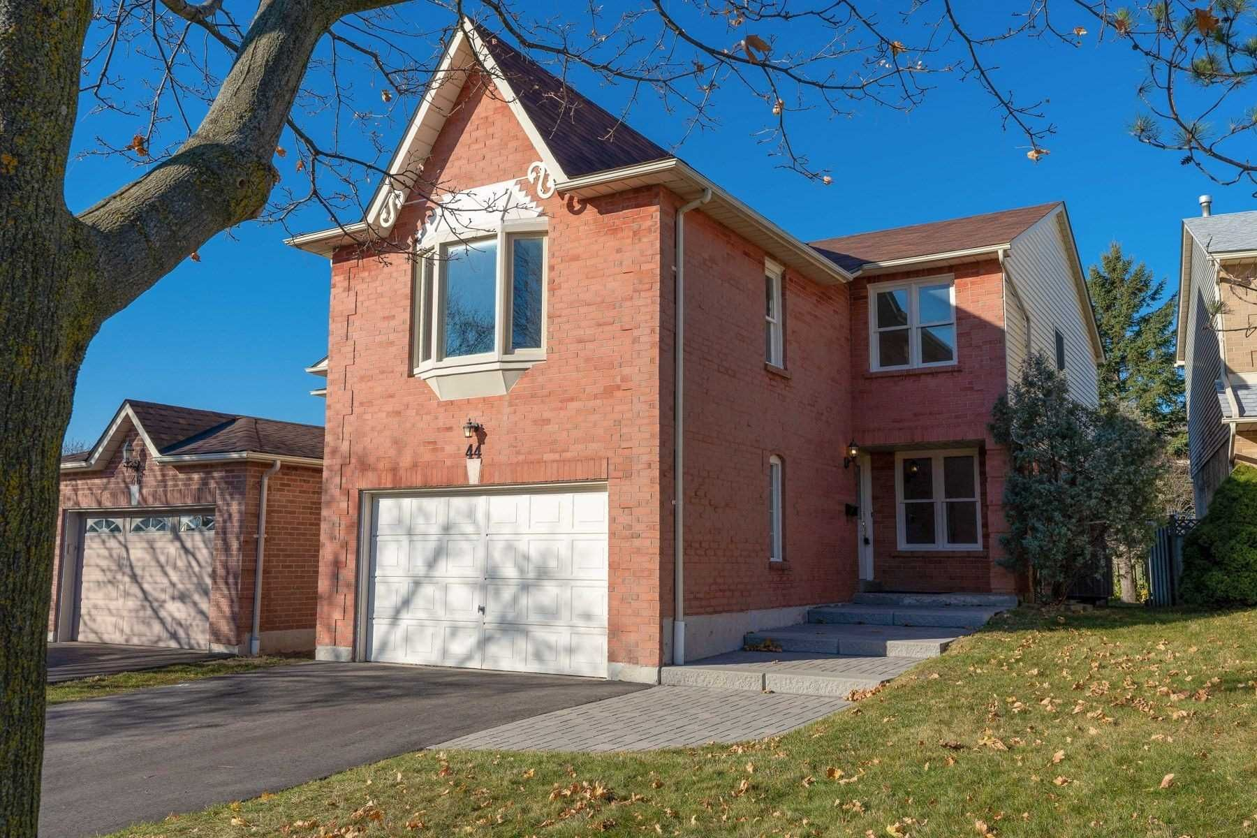 Main Photo: 44 Carr Drive in Ajax: Central House (2-Storey) for sale : MLS®# E4990598