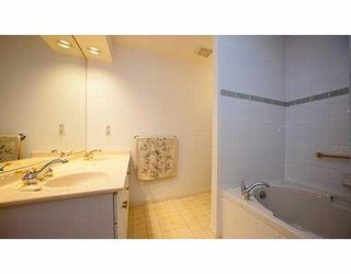 """Photo 5: 215 3098 GUILDFORD Way in Coquitlam: North Coquitlam Condo for sale in """"MALBOROUGH HOUSE"""" : MLS®# V946258"""