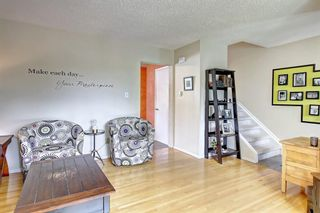 Photo 7: 1112 NINGA Road NW in Calgary: North Haven Semi Detached for sale : MLS®# C4222139