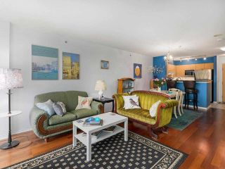 """Photo 7: 407 1575 W 10TH Avenue in Vancouver: Fairview VW Condo for sale in """"TRITON ON 10TH"""" (Vancouver West)  : MLS®# R2580772"""