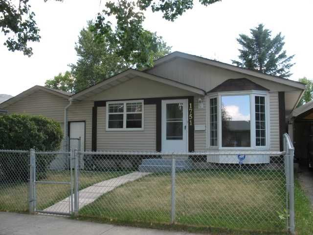 Main Photo: 1751 66 Avenue SE in CALGARY: Lynnwood_Riverglen Residential Detached Single Family for sale (Calgary)  : MLS®# C3580190