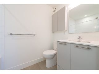 """Photo 13: 206 1661 E 2ND Avenue in Vancouver: Grandview VE Condo for sale in """"2ND & COMMERCIAL"""" (Vancouver East)  : MLS®# V1136892"""