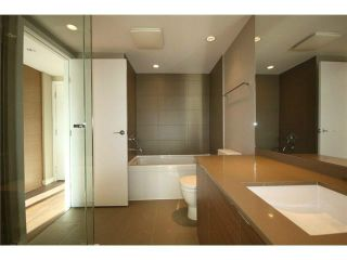 """Photo 8: 317 135 E 17TH Street in North Vancouver: Central Lonsdale Condo for sale in """"Local on Lonsdale"""" : MLS®# V1084301"""