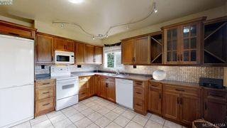Photo 3: 1757 Richardson St in VICTORIA: Vi Fairfield West Half Duplex for sale (Victoria)  : MLS®# 824357