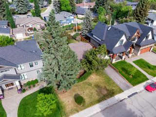 Photo 7: 15 42 Street SW in Calgary: Wildwood Detached for sale : MLS®# A1122775