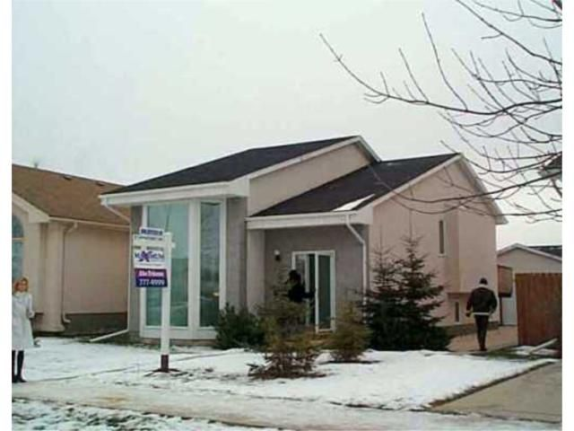 Main Photo: 347 JOHN FORSYTH Road in WINNIPEG: St Vital Residential for sale (South East Winnipeg)  : MLS®# 2416742