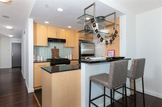 """Photo 8: 3002 583 BEACH Crescent in Vancouver: Yaletown Condo for sale in """"PARK WEST II"""" (Vancouver West)  : MLS®# R2577969"""