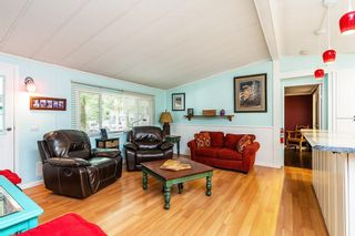 "Photo 5: 215 20071 24 Avenue in Langley: Brookswood Langley Manufactured Home for sale in ""Fernridge Park"" : MLS®# R2538356"