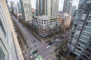 "Photo 13: 1204 1001 RICHARDS Street in Vancouver: Downtown VW Condo for sale in ""MIRO"" (Vancouver West)  : MLS®# R2332215"