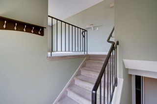Photo 17: 136 Silvergrove Road NW in Calgary: Silver Springs Semi Detached for sale : MLS®# A1098986