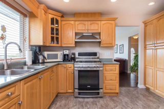 """Photo 15: 7978 WEATHERHEAD Court in Mission: Mission BC House for sale in """"COLLEGE HEIGHTS"""" : MLS®# R2579049"""