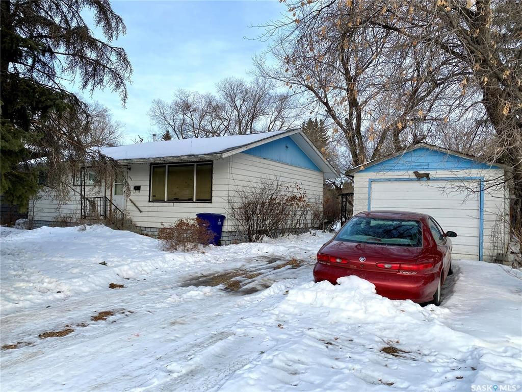 Main Photo: 207 Cross Street South in Outlook: Residential for sale : MLS®# SK830797