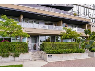 """Photo 1: 107 8 SMITHE MEWS Mews in Vancouver: Yaletown Townhouse for sale in """"THE FLAGSHIP"""" (Vancouver West)  : MLS®# V1075648"""