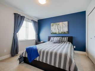 """Photo 11: 89 19433 68 Avenue in Surrey: Clayton Townhouse for sale in """"THE GROVE"""" (Cloverdale)  : MLS®# R2454192"""