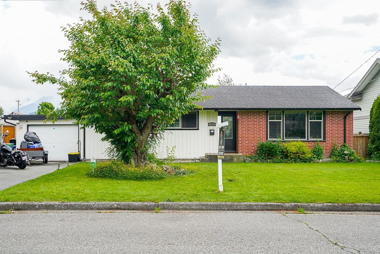 Main Photo: 46254 MCCAFFREY Boulevard in Chilliwack: Chilliwack E Young-Yale House for sale : MLS®# R2617373