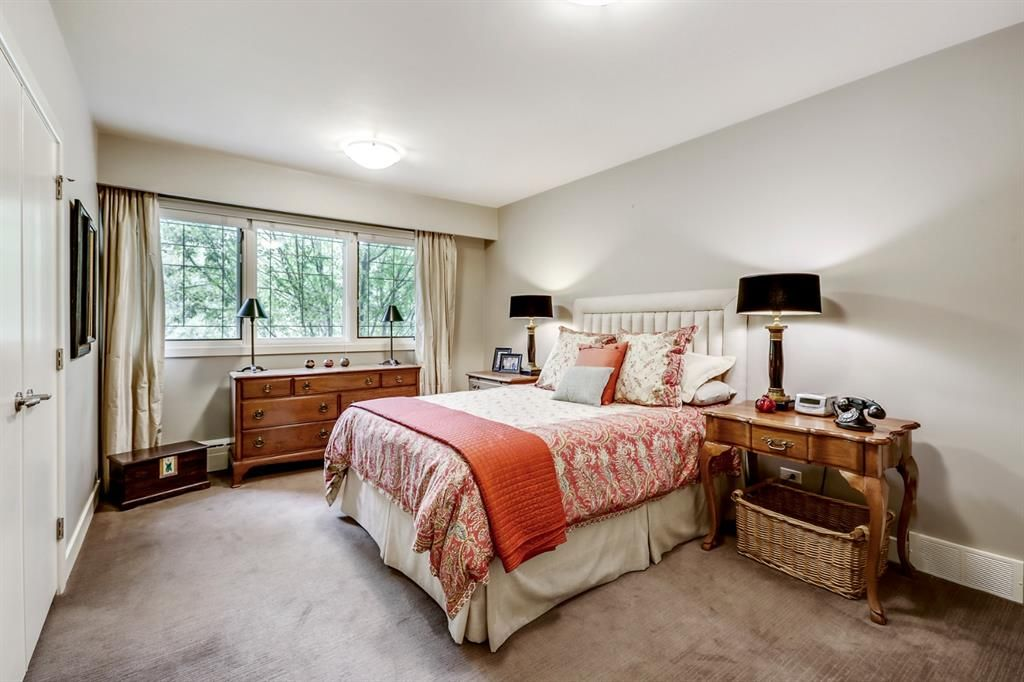 Photo 43: Photos: 2207 Amherst Street SW in Calgary: Upper Mount Royal Detached for sale : MLS®# A1062156