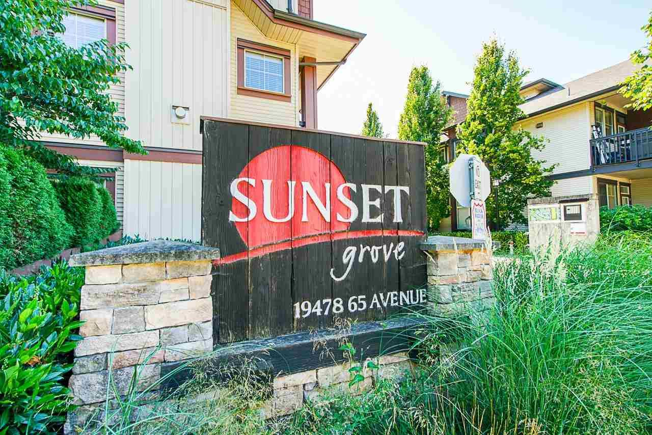 """Main Photo: 55 19478 65 Avenue in Surrey: Clayton Townhouse for sale in """"SUNSET GROVE"""" (Cloverdale)  : MLS®# R2587297"""