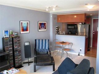"""Photo 2: 1402 928 RICHARDS Street in Vancouver: Downtown VW Condo for sale in """"THE SAVOY"""" (Vancouver West)  : MLS®# V826168"""