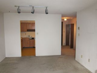 """Photo 8: 201 1770 W 12TH Avenue in Vancouver: Fairview VW Condo for sale in """"Granville West"""" (Vancouver West)  : MLS®# R2407226"""
