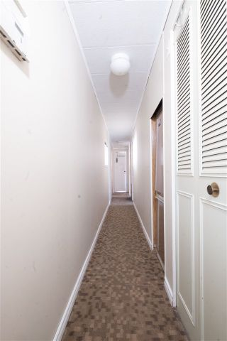Photo 14: 71 1840 160 Street in Surrey: King George Corridor Manufactured Home for sale (South Surrey White Rock)  : MLS®# R2558094