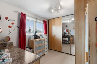 Photo 18: 7 Woodmont Rise SW in Calgary: Woodbine Detached for sale : MLS®# A1092046