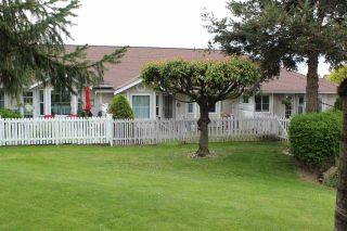 Photo 3: 22 2006 WINFIELD DRIVE in Abbotsford: Abbotsford East Townhouse for sale : MLS®# R2582812