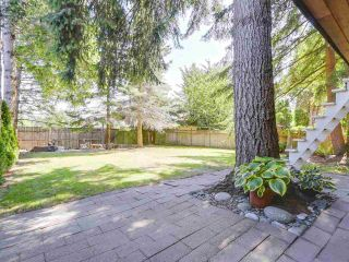 """Photo 2: 2232 MADRONA Place in Surrey: King George Corridor House for sale in """"West of King George"""" (South Surrey White Rock)  : MLS®# R2202364"""