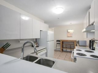 """Photo 7: 206 509 CARNARVON Street in New Westminster: Downtown NW Condo for sale in """"HILLSIDE PLACE"""" : MLS®# R2150025"""