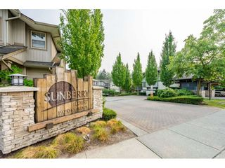 """Photo 2: 45 19250 65 Avenue in Surrey: Clayton Townhouse for sale in """"SUNBERRY COURT"""" (Cloverdale)  : MLS®# R2297371"""