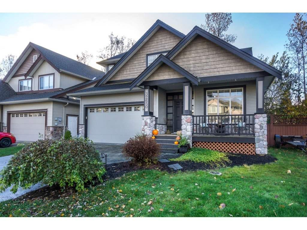 Main Photo: 32650 GREENE Place in Mission: Mission BC House for sale : MLS®# R2221497