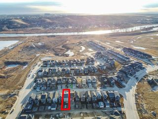 Photo 3: 35 Wolf Hollow Way in Calgary: C-281 Detached for sale : MLS®# A1083895