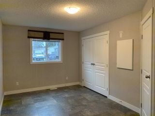 """Photo 6: 19 95 LAIDLAW Road in Smithers: Smithers - Rural Manufactured Home for sale in """"MOUNTAINVIEW MOBILE HOME PARK"""" (Smithers And Area (Zone 54))  : MLS®# R2476995"""