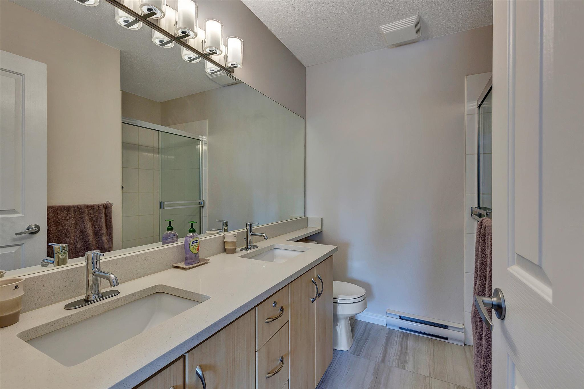"""Photo 21: Photos: 9 15871 85 Avenue in Surrey: Fleetwood Tynehead Townhouse for sale in """"Huckleberry"""" : MLS®# R2606668"""