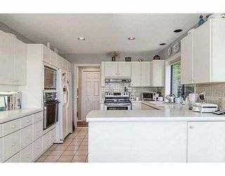 """Photo 7: 5257 ASPEN Crescent in West Vancouver: Upper Caulfeild Townhouse for sale in """"SAHALEE"""" : MLS®# V1023681"""