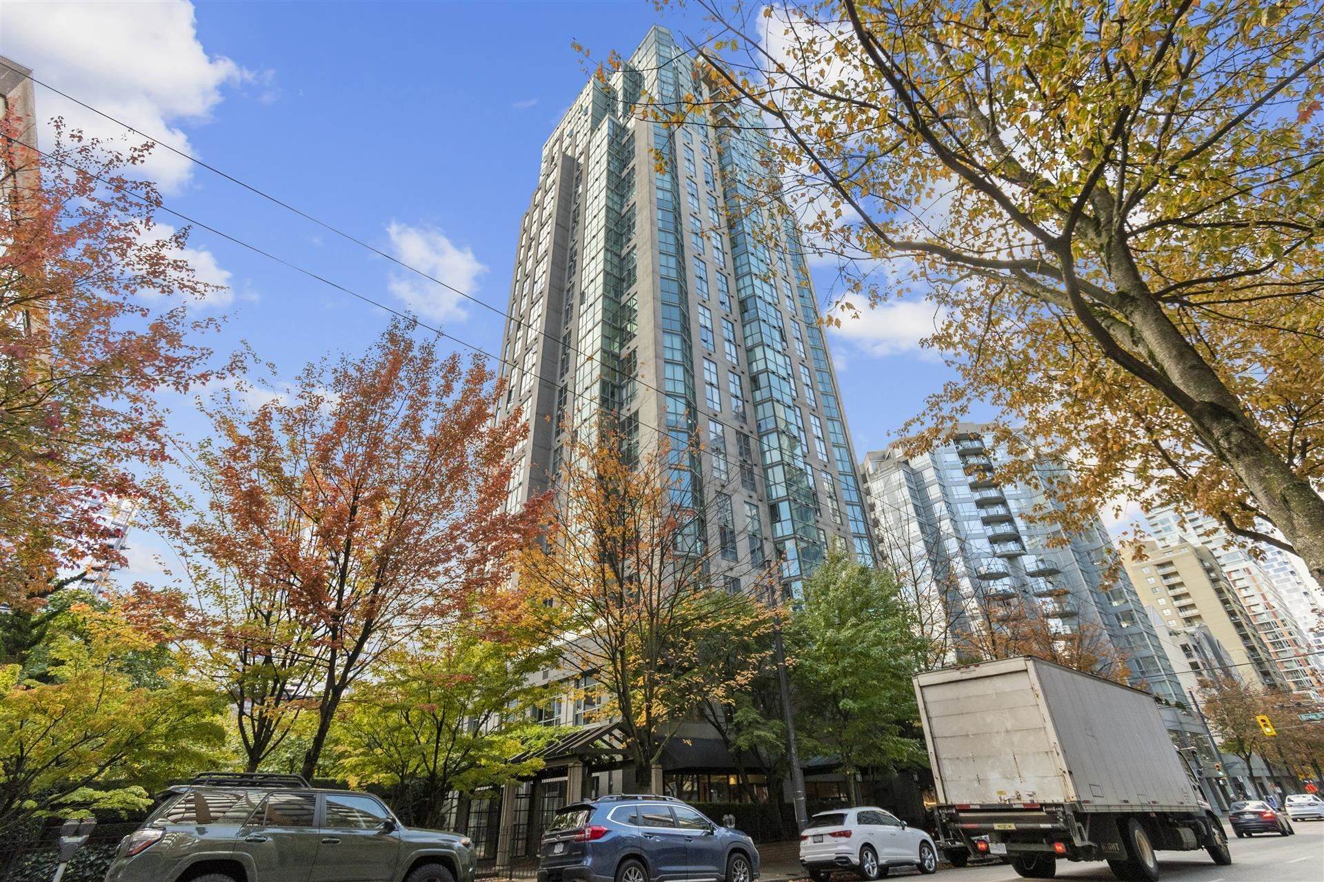 Main Photo: 1203 1188 HOWE Street in Vancouver: Downtown VW Condo for sale (Vancouver West)  : MLS®# R2624325