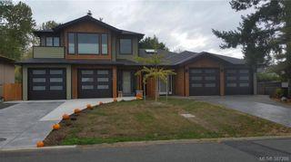 Photo 2: 2069 Piercy Ave in SIDNEY: Si Sidney North-East Half Duplex for sale (Sidney)  : MLS®# 778185