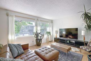 Photo 2: 16 Brae Glen Court SW in Calgary: Braeside Row/Townhouse for sale : MLS®# A1112345
