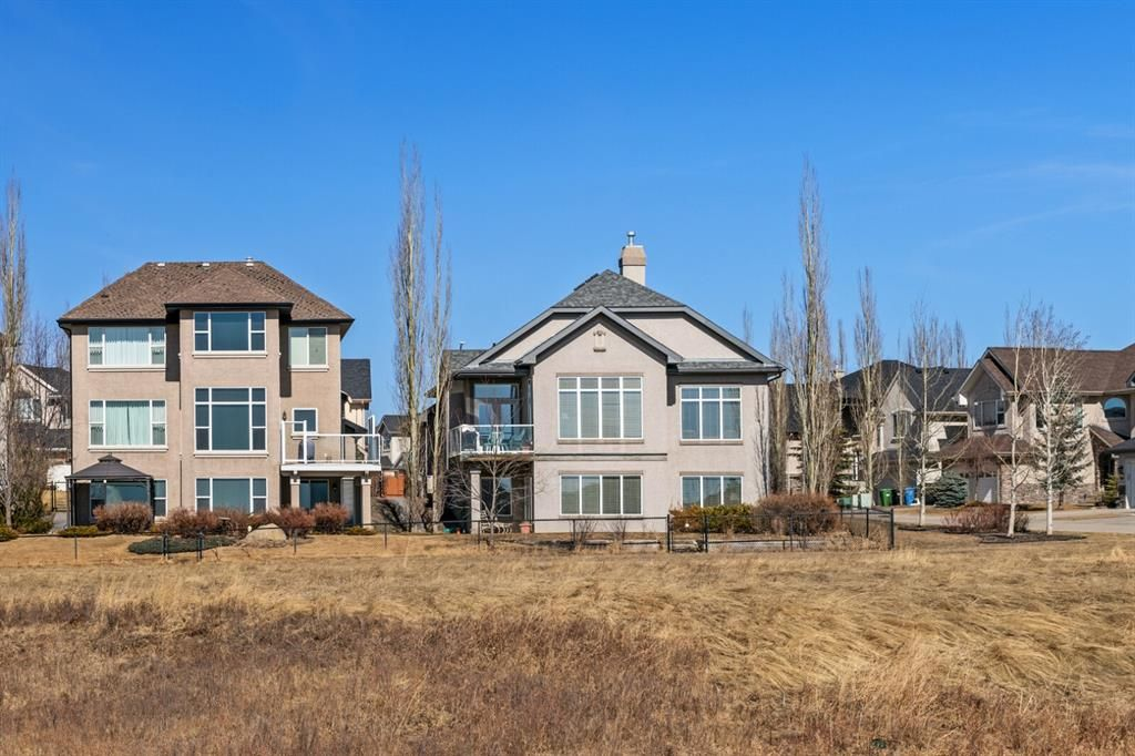 Photo 4: Photos: 3 Tuscany Glen Place NW in Calgary: Tuscany Detached for sale : MLS®# A1091362