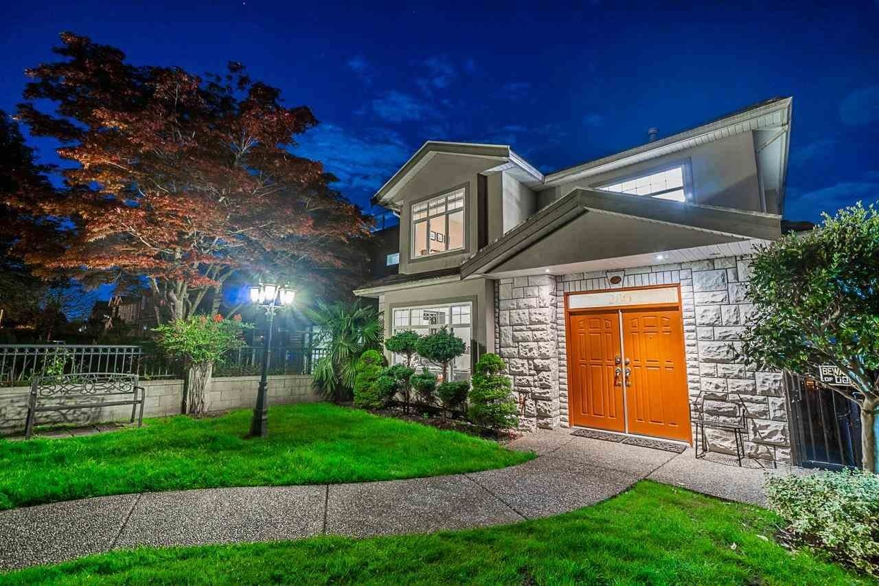 Main Photo: 286 E 63RD Avenue in Vancouver: South Vancouver House for sale (Vancouver East)  : MLS®# R2599806