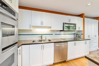 """Photo 15: 148 1495 LANSDOWNE Drive in Coquitlam: Westwood Plateau Townhouse for sale in """"GREYHAWKE ESTATES"""" : MLS®# R2594509"""