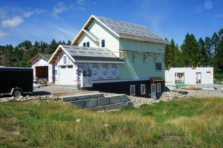 Photo 2: 1446 CANTERBURY CLOSE in Invermere: House for sale : MLS®# 2460796